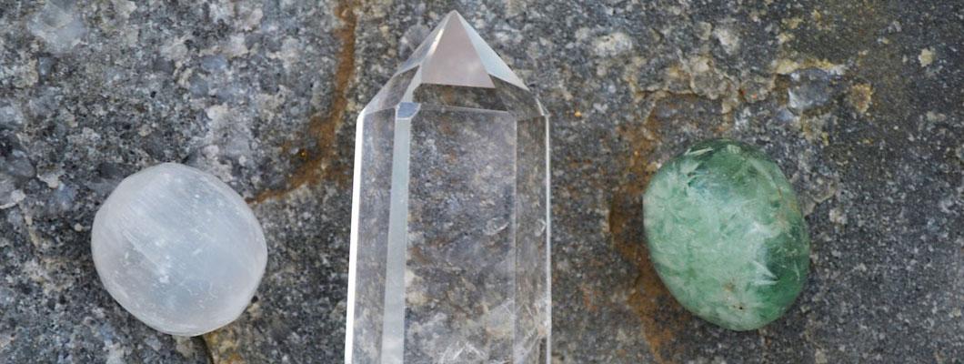 Kristal Kuvars Taşı Faydaları Nelerdir? Kristal Kuvars Taşı Özellikleri